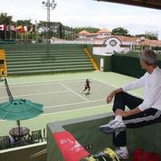 Relaxing in the shade of center court